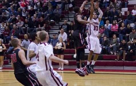 Sports: Wildcats let large lead slip away, lose to Nanooks 85-76