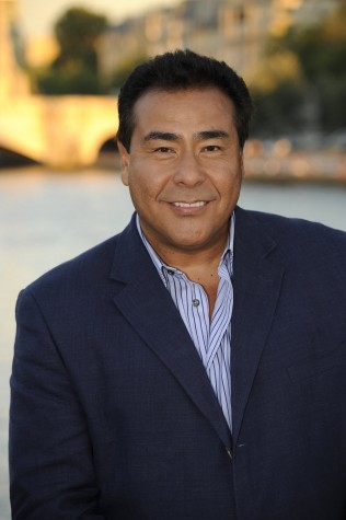 ABC News host John Quiñones to share life story in SURC