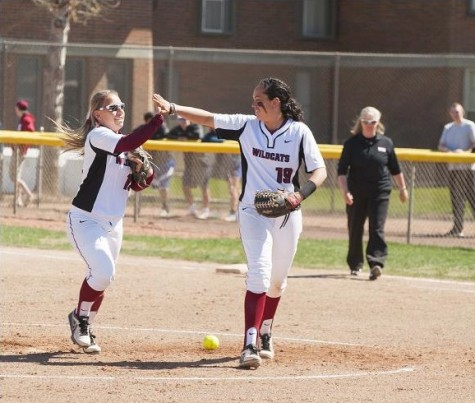 Central's softball team to host important weekend games against WWU and Simon Fraser