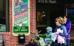 Art walk showcases local artists