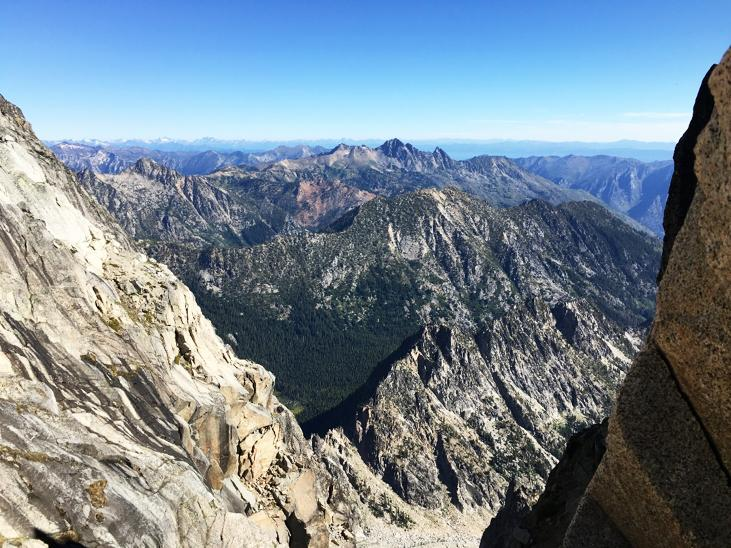 Looking+over+the+Enchantments+from+the+false+summit+of+Mt.+Stuart.