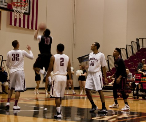 Sports: Inaugural Wildcat Hoops Showcase a big hit for fans at Nicholson Pavilion Friday night