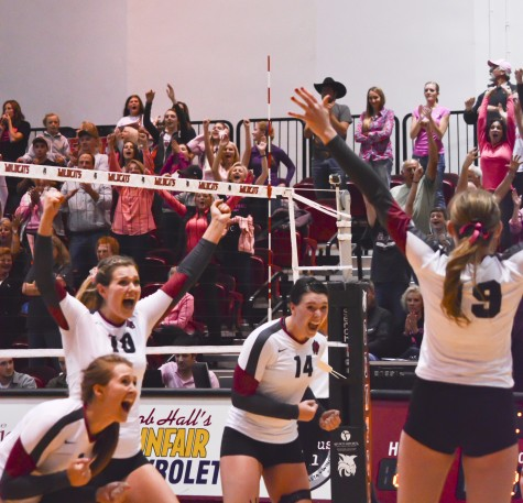 Sports: Following surprising loss to MSUB, women's volleyball rebounds to sweep SPU, 25-23, 25-17, 28-26; Firethorne finishes with 15 kills