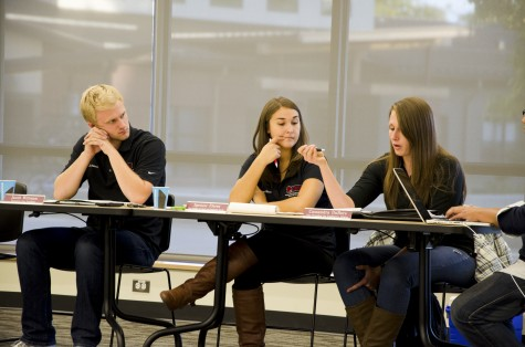 News: Semesters in consideration by Central and Board of Directors; students asked for opinion in survey