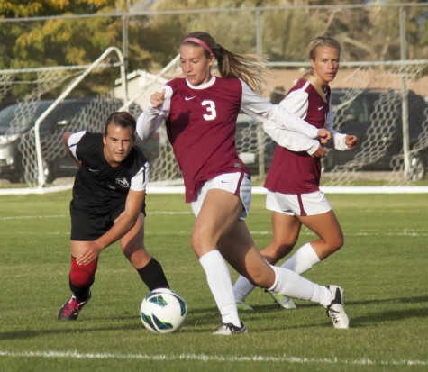 Sports: Retz scores game-winning penalty kick in second straight victory for women's soccer; Wildcats now 8-2 in GNAC