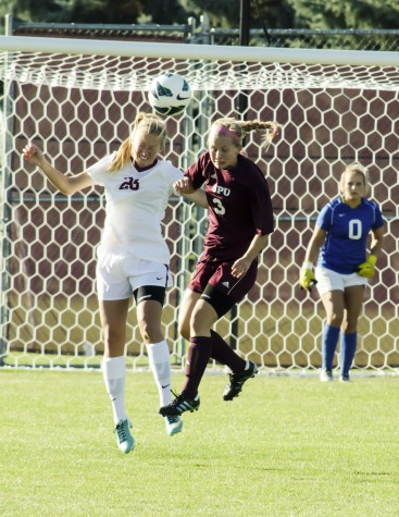 Sports: Women's soccer loses to No. 11 Western on Senior Day in final seven minutes, 2-1