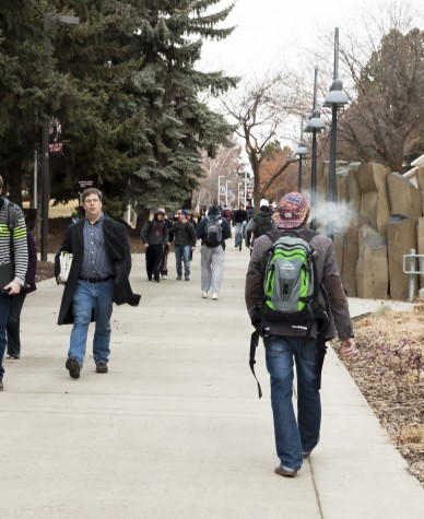 News: Designated smoking spots on campus in jeopardy