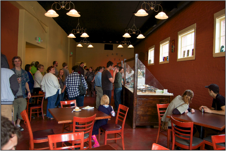 Central alumna opens cake shop in Ellensburg
