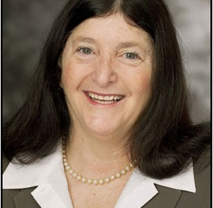 Four-year senior administrator to resign Nov. 1