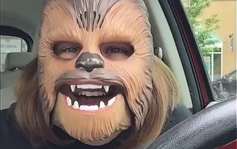 We should all be a little more like Chewbacca Mom