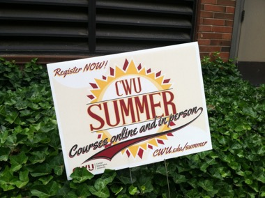 Summer session sign outside of Randall Hall.
