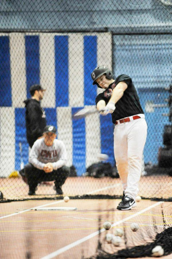 CWU+freshman+catcher+Jesse+Unger+takes+batting+practice+during+an+indoor+sessions.