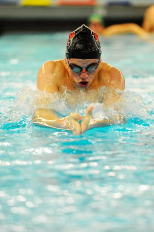 CWU swimmers dive into their season