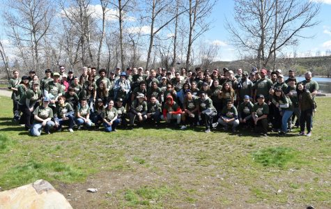 CWU community cleans up Yakima River