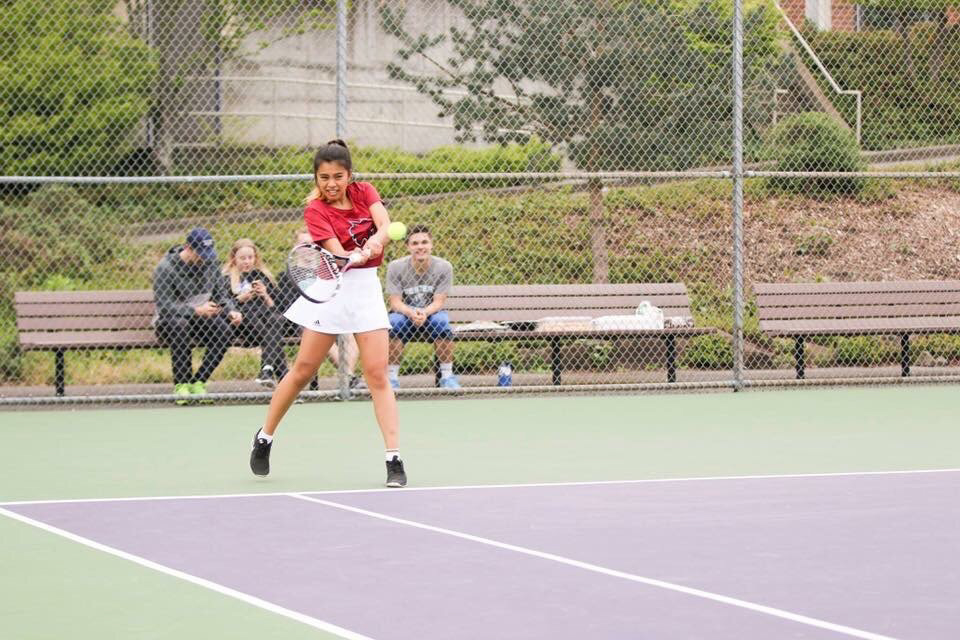 Janice+Roman+returning+a+serve+during+the+Pacific+Northwest+Alumni+Cup.