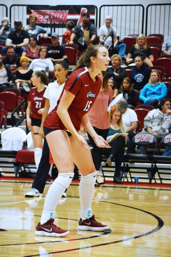 Freshman+outside+hitter+Makala+Swart+stands+at+the+ready+during+a+home+game.