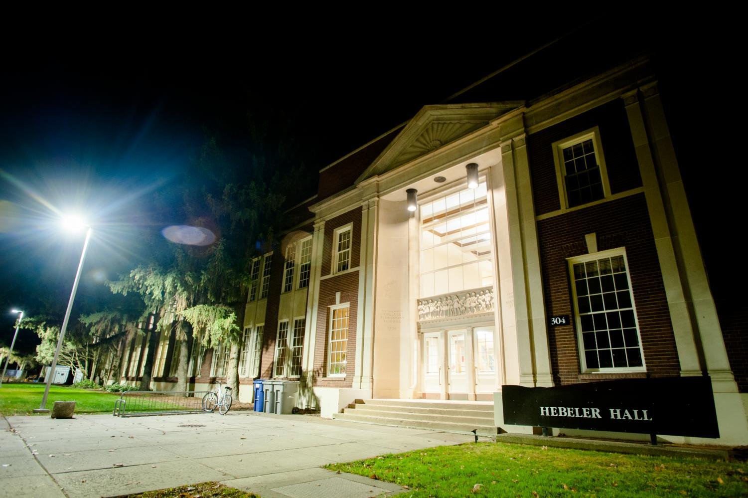 Hebeler Hall, which currently houses computer science departments, has been considered an option to be leased by the school district. Xander Fu/The Observer.