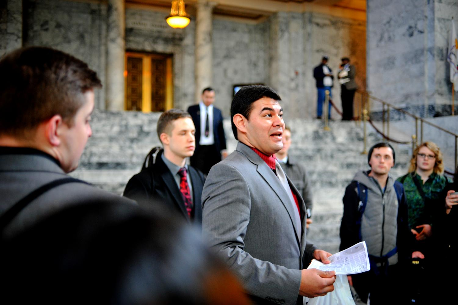 Former VP for Legislative Affairs JR Siperly talks with CWU students in Olympia, Wash. at last years lobby day.