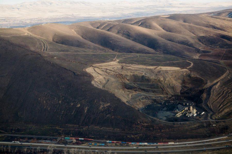 Aerial+image+of+Rattlesnake+Ridge%2C+just+south+of+Union+Gap%2C+Wash.+on+Wednesday%2C+Jan.+10+2018.+Courtesy+of+Shawn+Gust+%2F+Yakima+Herald-Republic.
