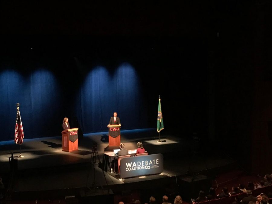 Schrier+and+Rossi+debate+in+McConnell+Hall+for+the+8th+Congressional+District+seat.+