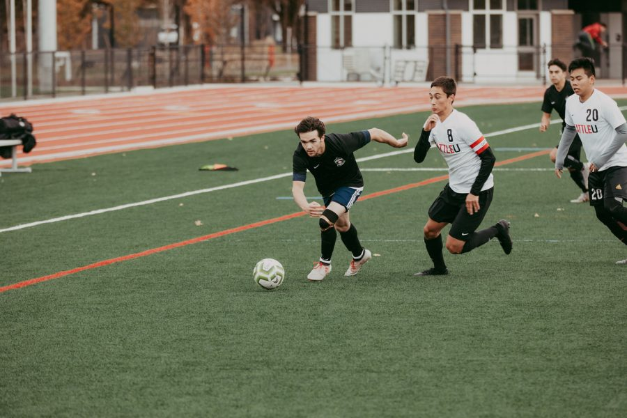 Men's soccer club open to all students