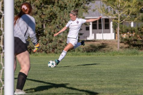 1-on-1 with women's soccer signee Lily Newberry