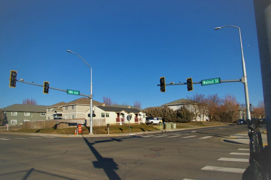 Once marked by stop signs, the crossing of Walnut and 18th now has a new stoplight.