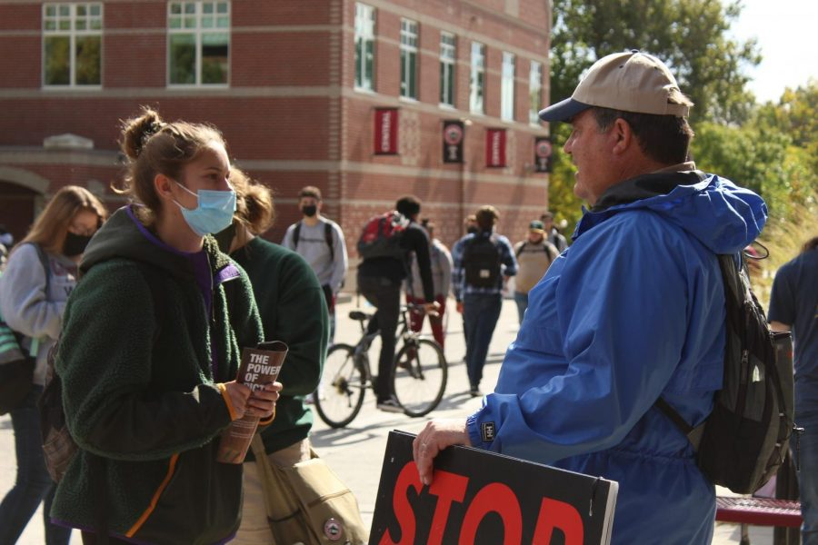 Anti-abortionists visit CWU to tell students about their beliefs