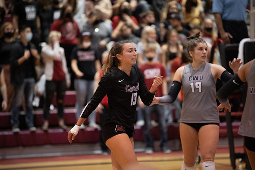 Womens Volleyball loses to two Alaska teams
